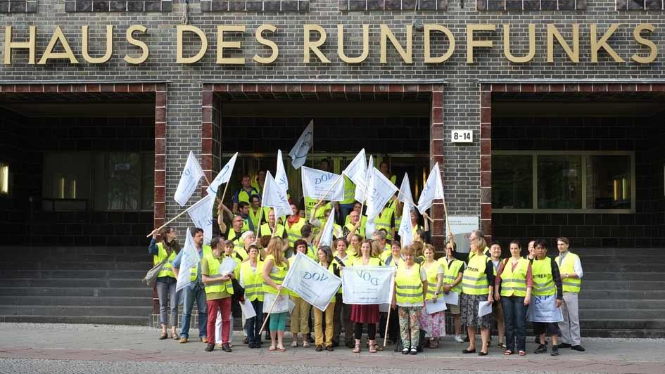 Streik Rundfunkchor Berlin vor dem Haus des Rundfunks