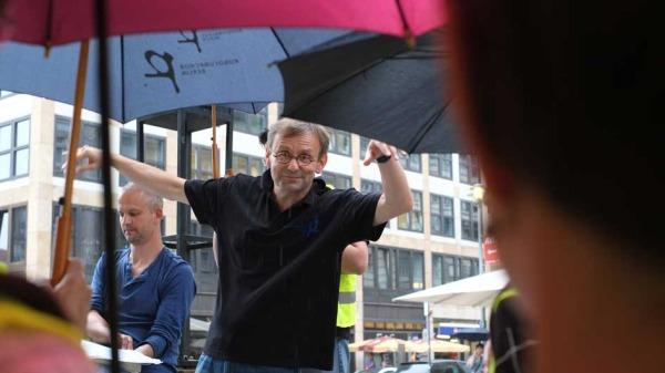 Simon Halsey und Nicolas Fink dirigen den Rundfunkchor auch im Streik